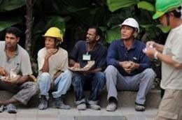 Xuất khẩu lao động: Hồi phục thị trường Malaysia